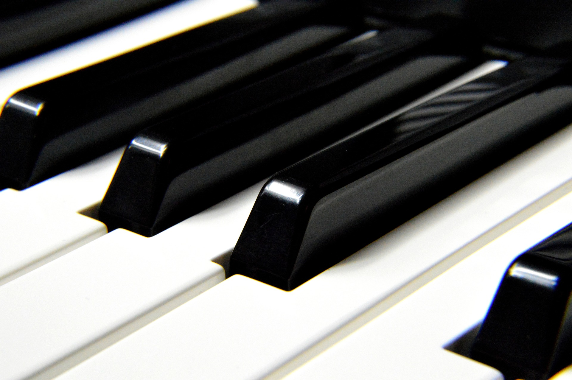 Wiracki Solo Piano