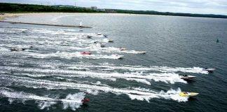 55 motorówek wyścigowych w sobotę przypłynie do Szczecina