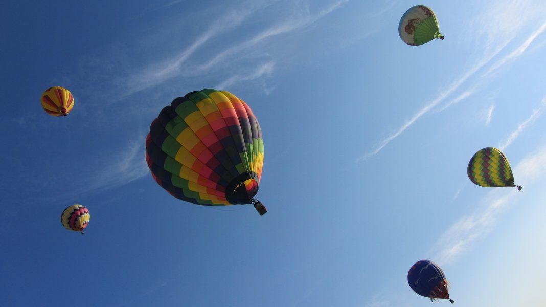pokazy lotów balonowych w weekend w Świnoujściu