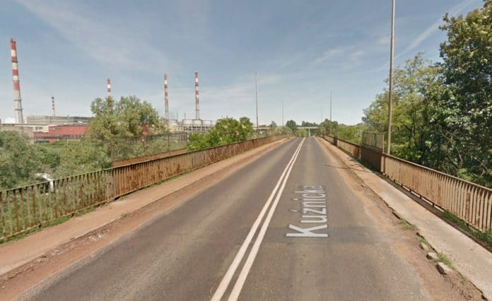 wiadukt i ścieżki rowerowe w Policach