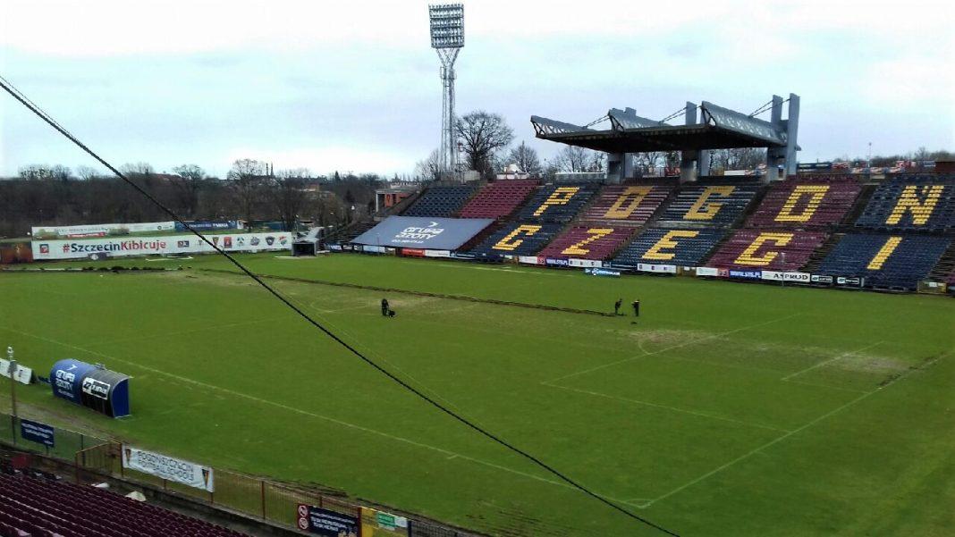 wymiana murawy na Stadionie Miejskim w Szczecinie