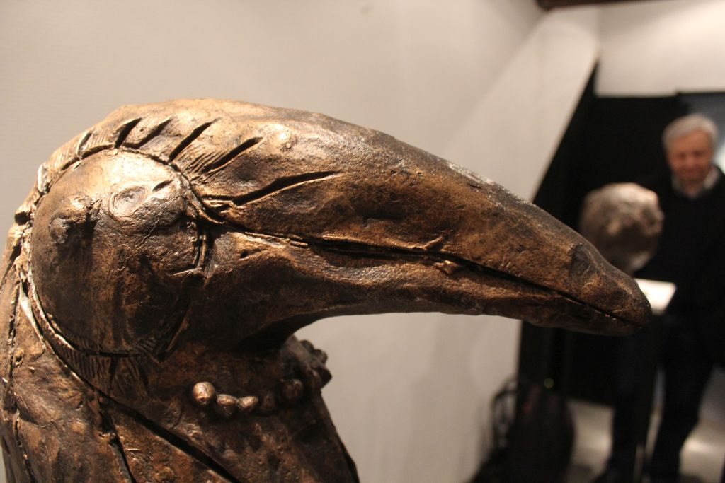 rzeźby ptaków z brązu