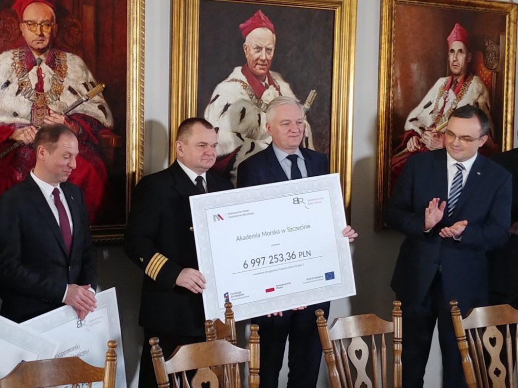 dofinansowanie dla Akademii Morskiej, PUM i US