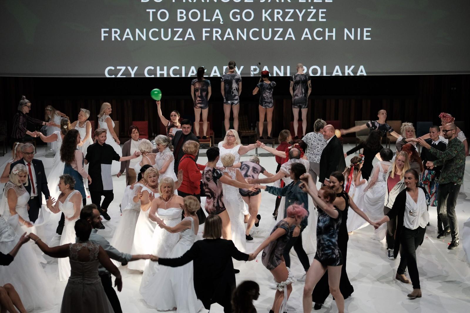 """""""Wesele – Poprawiny"""" spektakl Polskiego Teatru Tańca z Poznania"""