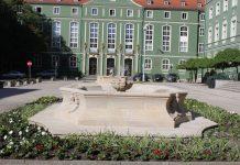 fontanny przed Urzędem Miasta