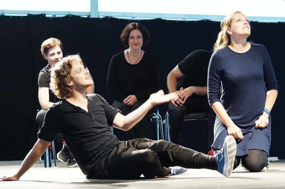 Teatr Komedii Impro w Wiosce Artystycznej Janowo