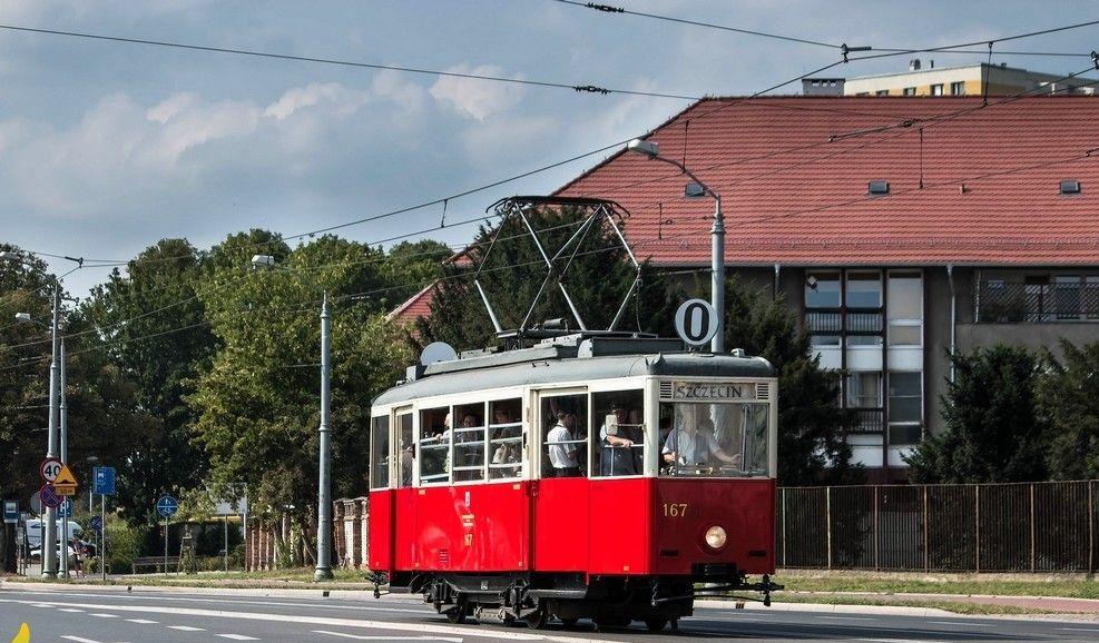 Narodowe Czytanie w zabytkowym tramwaju