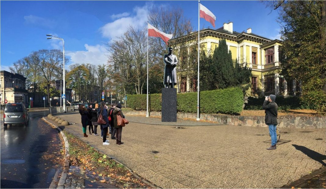 pomnik Piłsudskiego konsultacje społeczne