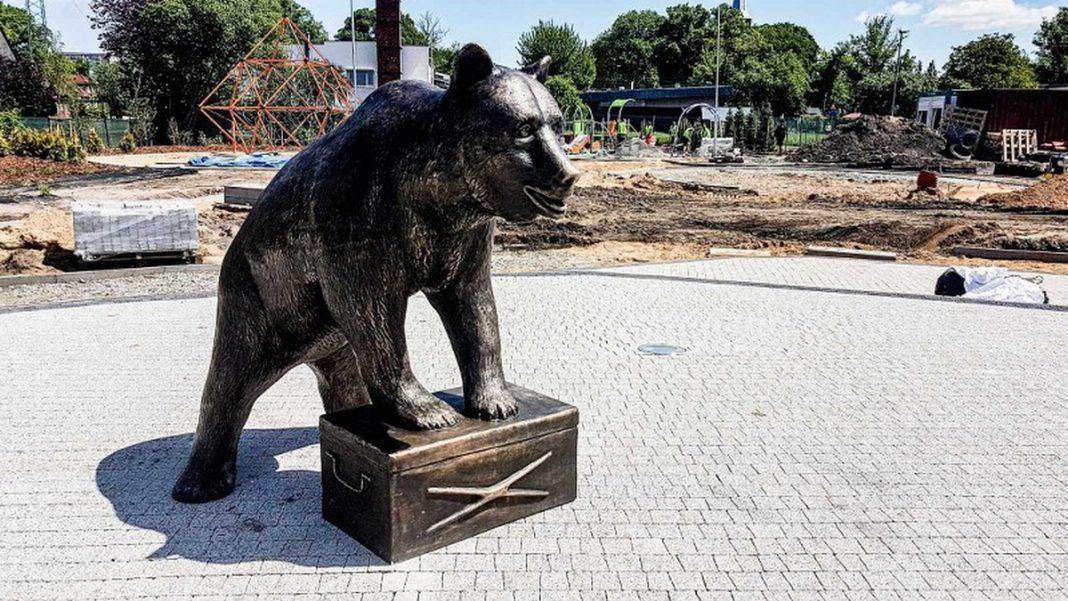 rzeźba Misia Wojtka Szczecin