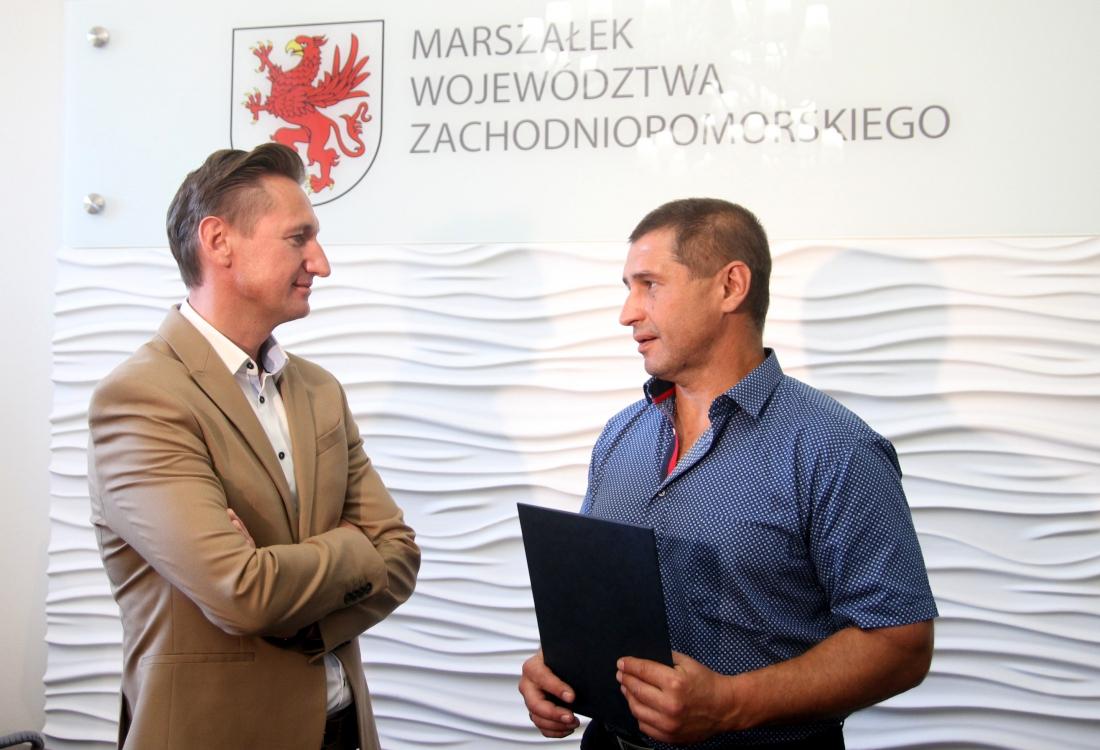 bohaterski kierowca zUkrainy obywatelstwo