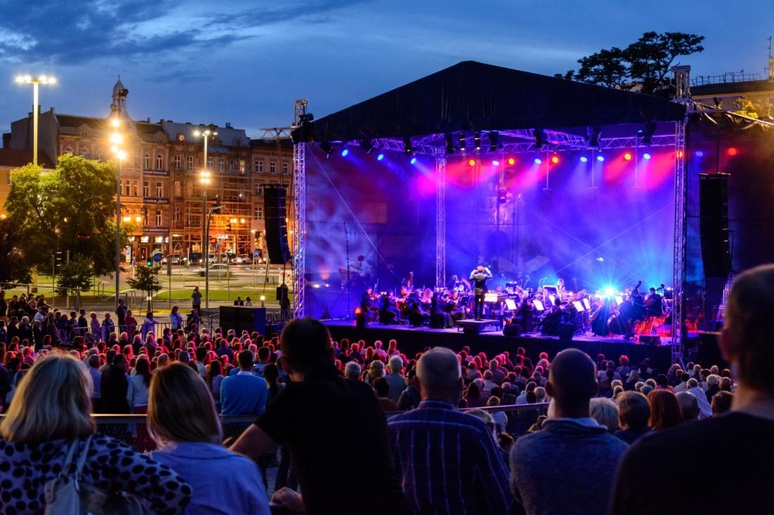 Sierpniowe Przełomy - koncert na Placu Solidarności