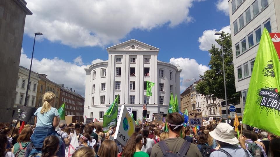 protest tysiąca miast