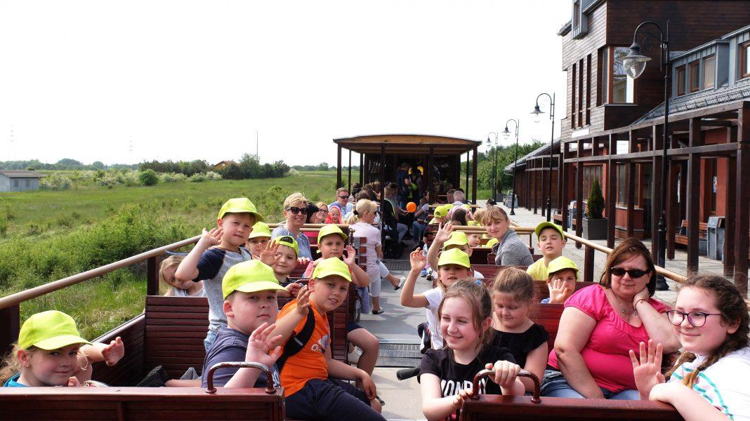 wycieczka edukacyjna Wąskotorówką