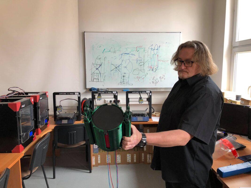 respirator drukarka 3D prototyp Marcin Królikowski ZUT Szczecin
