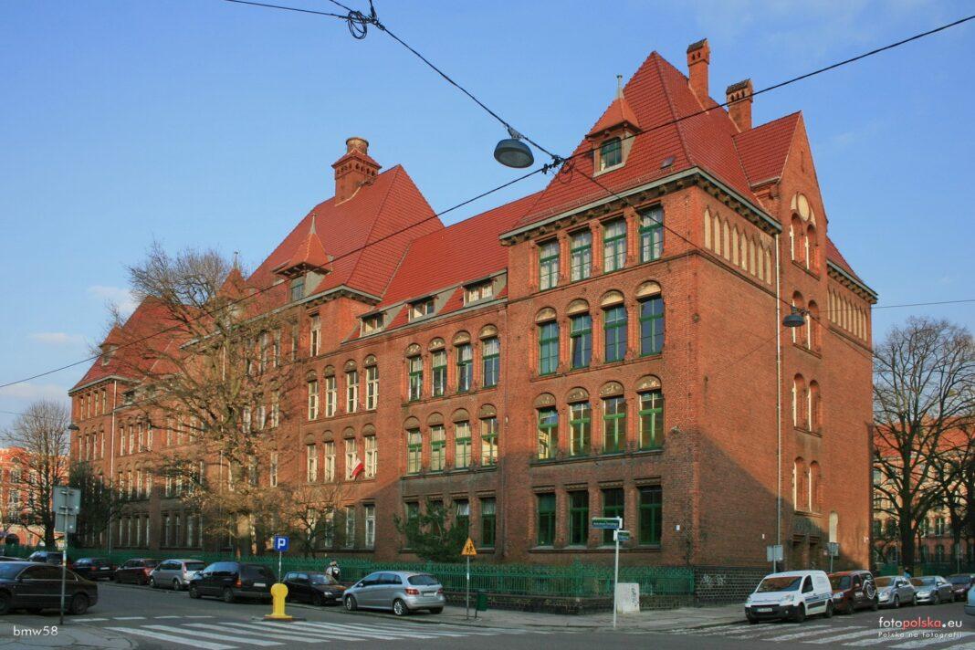 Ogólnokształcąca Szkoła Muzyczna Szczecin boisko