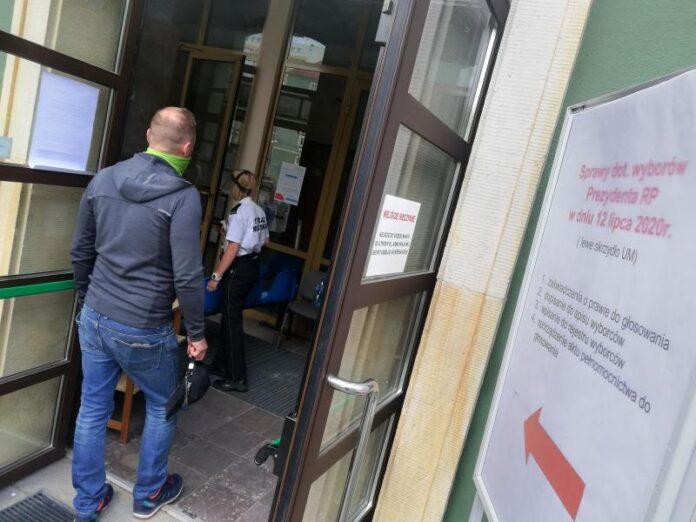biuro ds. wyborców Szczecin godziny pracy