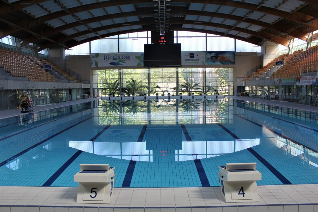 pływalnie baseny Szczecin limit osób sierpień 2020