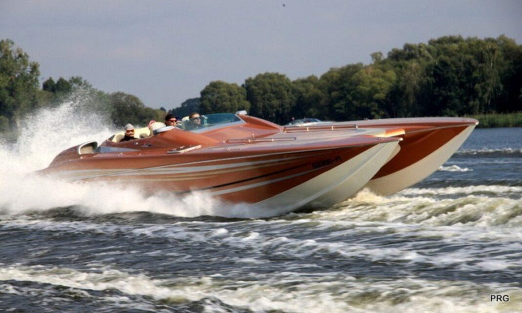 łodzie motorowe bolidy Wyspa Grodzka wrzesień 2020