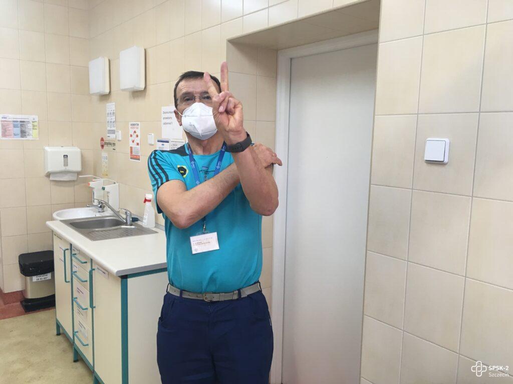 300 szczepionek przeciw COVID-19 trafiło doszpitala naPomorzanach
