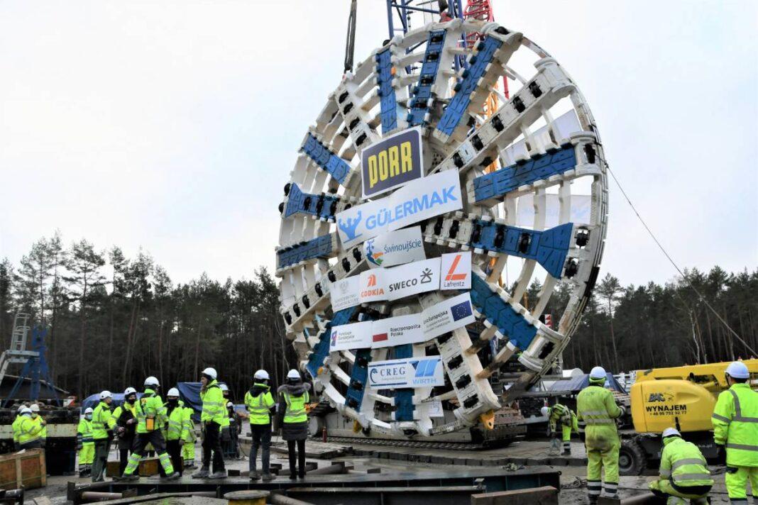 budowa tunelu w Świnoujściu tarcza w komorze startowej