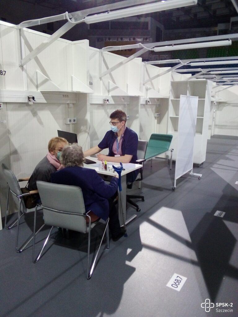 Ruszyły szczepienia seniorów wNetto Arena