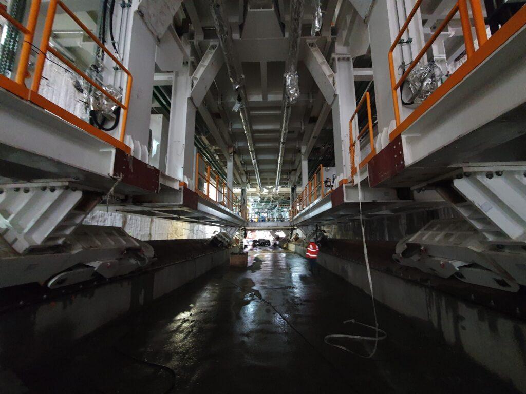 zaawansowane prace przy montażu maszyny TBM Świnoujście