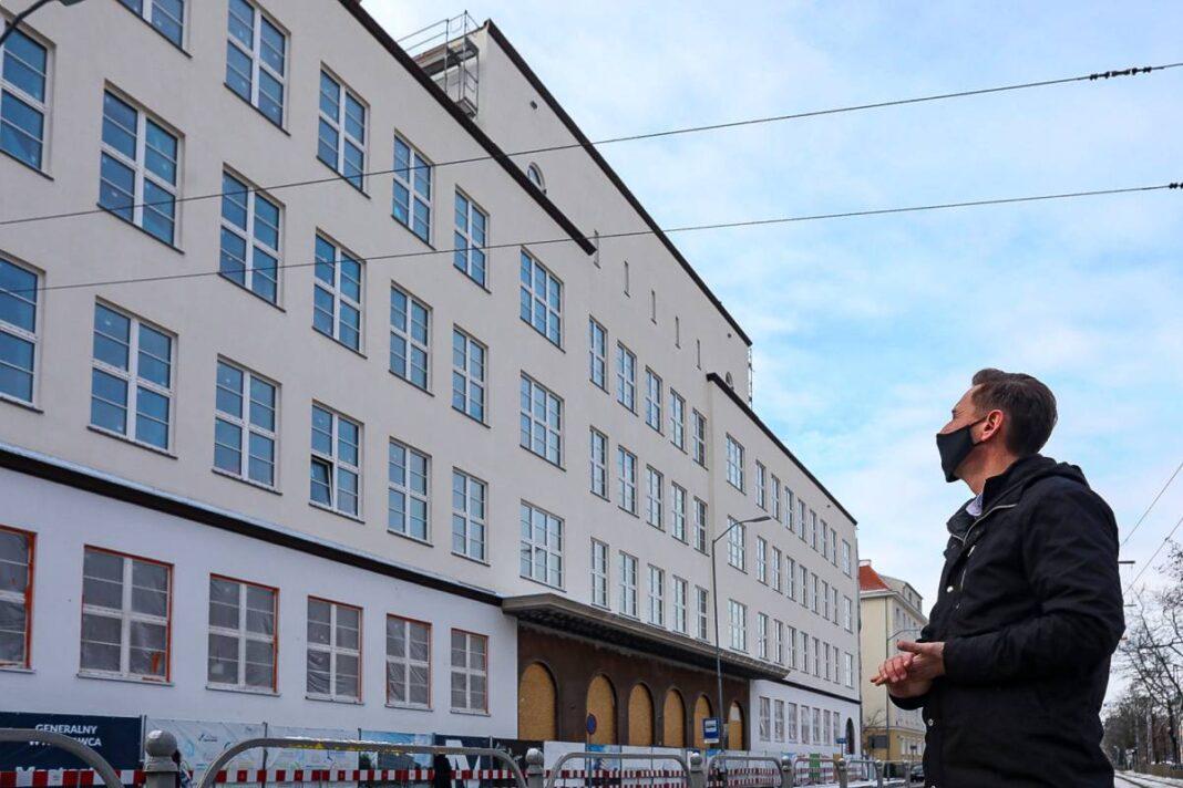 nowa elewacja skonsolidowanej siedziby Urzędu Marszałkowskiego