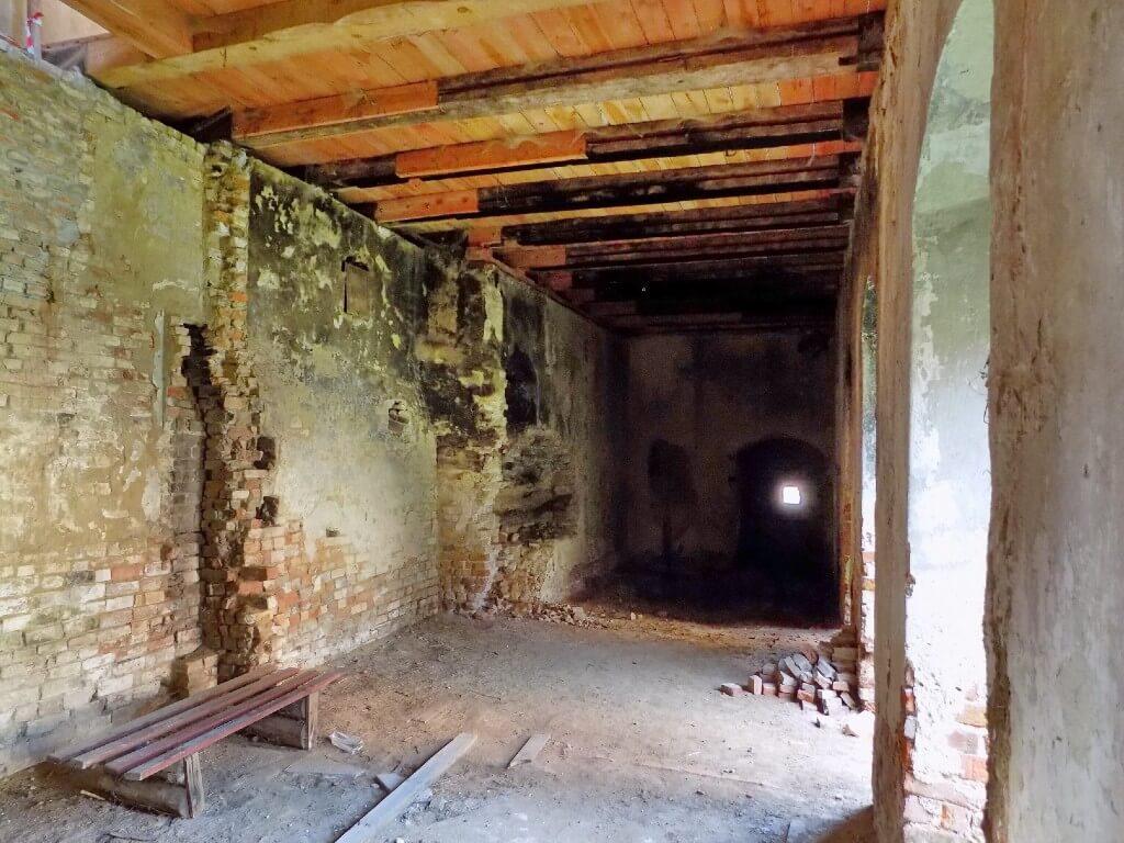 Zamek-w-Swobnicy-wnętrza-oficyny