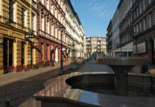 Nieczynna fontanna na Deptaku Bogusława Szczecin