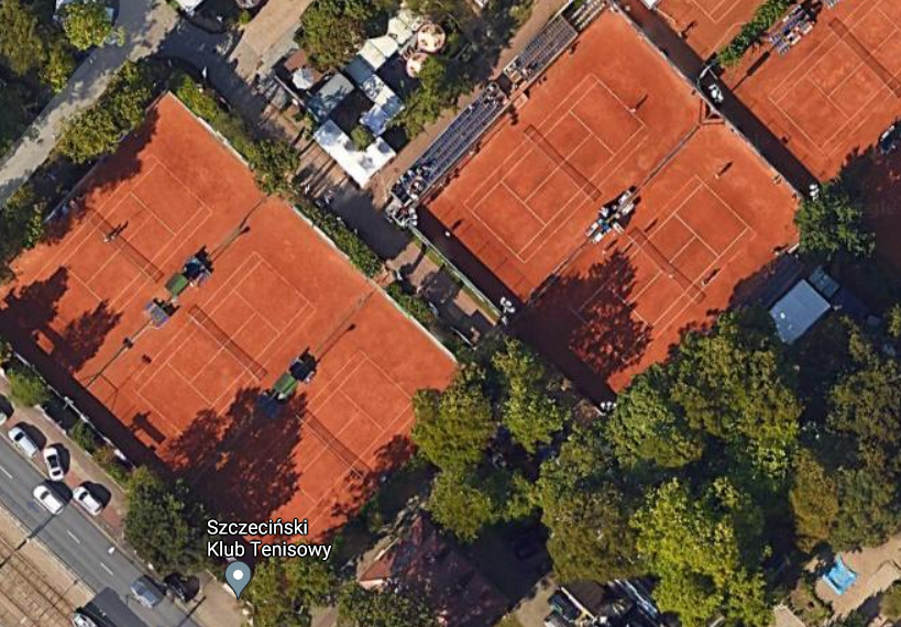 Wycinka 51 drzew z terenu kortów tenisowych odroczona
